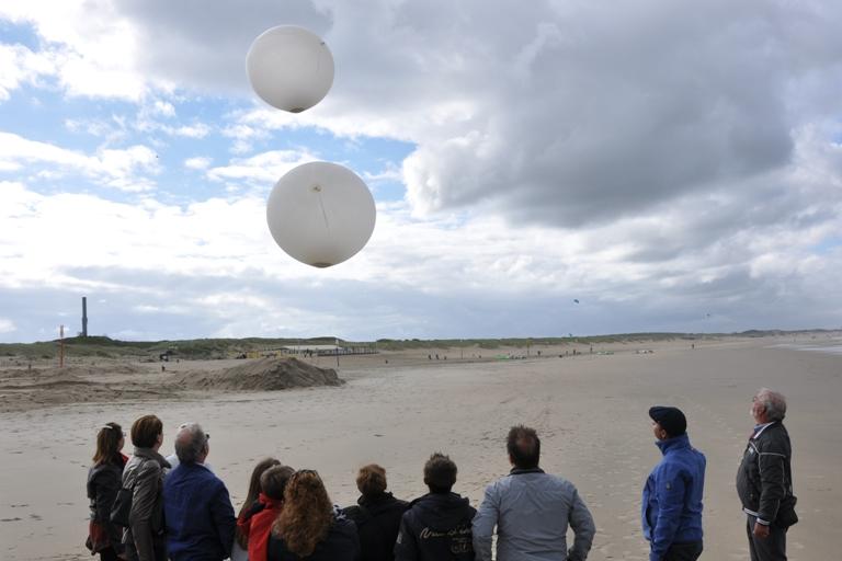 Ballonverstrooiing-scheveningen-noorderstrand