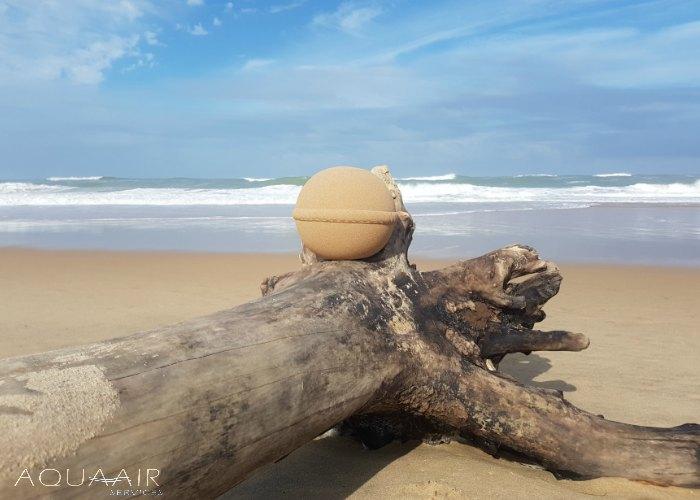 asbijzetting-zee-urn-atlantische-oceaan-cote-sauvage-frankrijk-aqua-air-services-biodeco