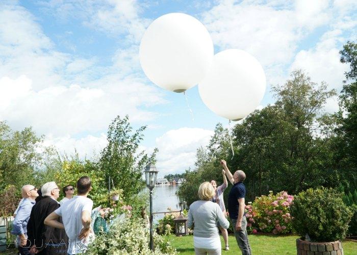 ballonverstrooiing-asverstrooiing-met-heliumballon-breukeleveenseplassen