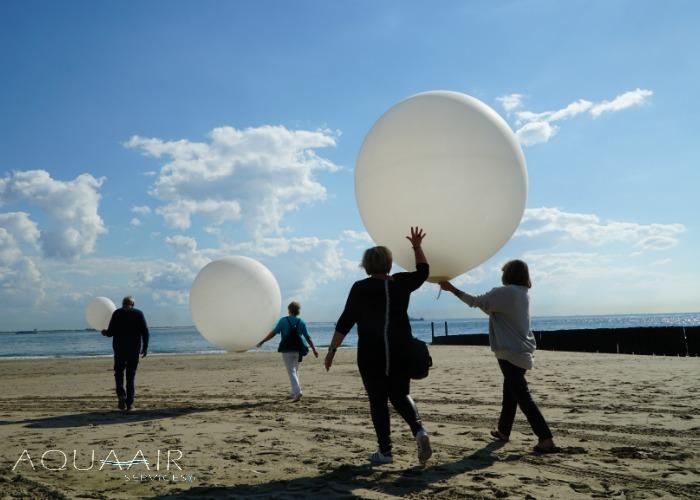 ballonverstrooiing-asverstrooiing-met-heliumballon-strand-vlissingen
